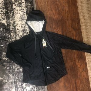NWT Lightweight Under Armour full zip top